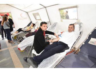 Başkan Yücel'den Kan Bağışına Destek