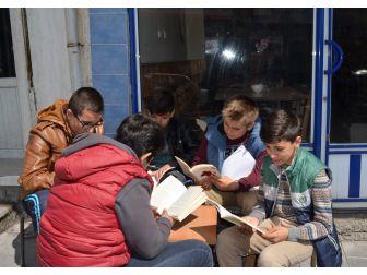 Adilcevaz'da Kitap Okuma Etkinliği