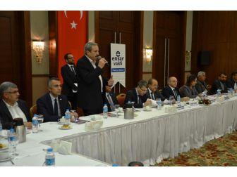 Ensar Vakfı'ndan 'Anayasa Sistem Değişikliği Bilgilendirme Paneli'