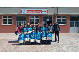 Malatya Badminton Takımı Yarı Final Müsabakalarını Birincilikle Tamamladı