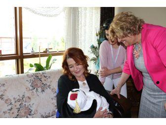 Manisa'da 'Hoş Geldin Bebek' Projesi