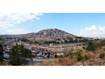 İzmir'deki Ballıkuyu Mahallesinde Yerinde Dönüşüm Atağı