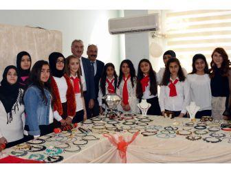 Akdeniz'de Giyim Kursu Öğrencileri Sertifikalarını Aldı