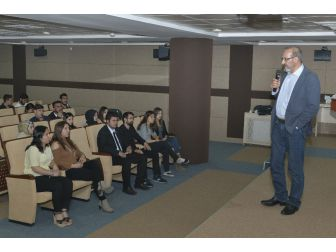 Kmü'de Sosyal Medya Semineri