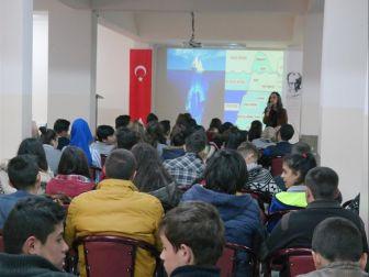 Kadın Danışma Merkezi, Ürgüp'te Gençlere Seminer Verdi
