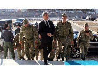Korgeneral Yaşar'dan Vali Çınar'a Ziyaret