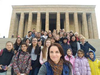 Manavgat'ta Yaşayan Yabancı Uyruklu Vatandaşlar Atatürk'ün Huzuruna Çıktı
