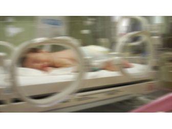 Manisa'da Yeni Doğmuş Bebeği Poşete Koyup Sokağa Attılar
