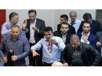 Makedonya Meclisinde Olaylar: 9 Yaralı