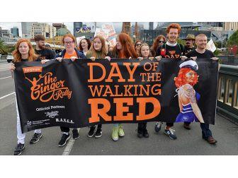 Avustralya'da Yüzlerce Kızıl Saçlı Yürüyüş Düzenledi
