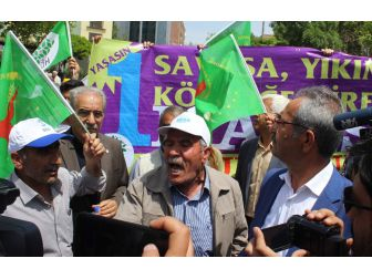 Adıyaman'da 1 Mayıs Kutlamasında Afiş Gerginliği