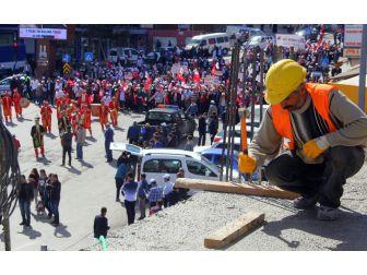 Hak-iş 1 Mayıs'ı Binlerce Katılımcıyla Erzurum'da Kutladı