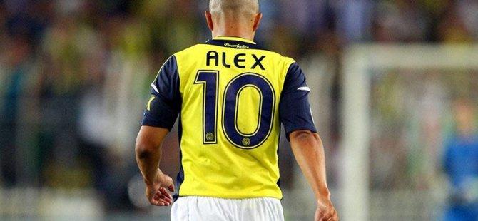 Kaptan Alex Fenerbahçe'yi Unutmadı