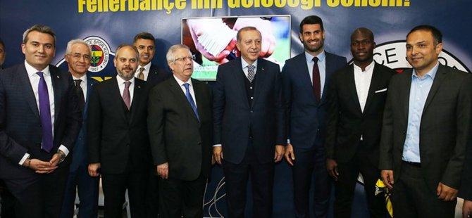 Erdoğan'dan Fenerbahçe Standına ziyaret!