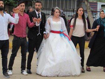 Ukraynalı Gonca Geline Türk Düğünü