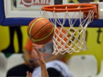 Spor Toto Basketbol Süper Lig, Fenerbahçe 96-57 Anadolu Efes