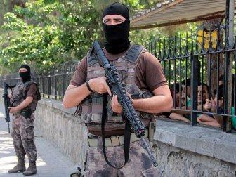 """""""Güvenli Okul Güvenli Eğitim Projesi"""" Kapsamında 253 Şüpheli Gözaltına Alındı"""