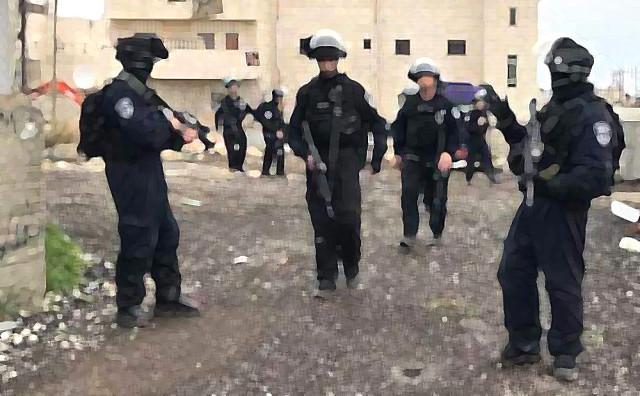 İsrail'den 14 Filistinliye gözaltı