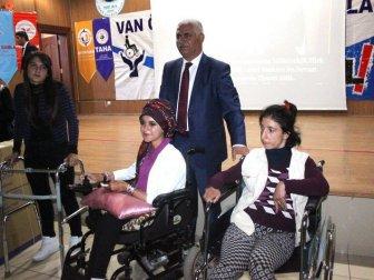 Van'da 28 Engelli Vatandaşa Tekerlekli Sandalye Dağıtıldı