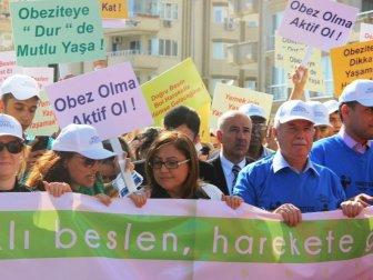 Gaziantep Büyükşehir Belediye Başkanı Fatma Şahin Obezite İçin Yürüdü