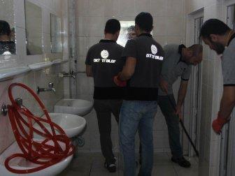 Bakmayın Tuvalet Temizlediklerine Onlar Aslında Mühendis!