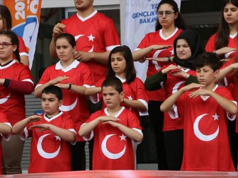 Samsun'da İstiklal Marşı'nı İşaret Diliyle Söylediler