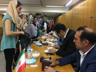 İran'daki Cumhurbaşkanlığı Seçimleri İçin İzmir'de Sandık Kuruldu