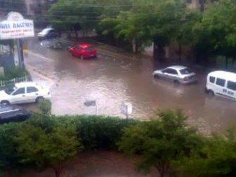 Bursa'da Otomobiller Sel Sularına Kapıldı