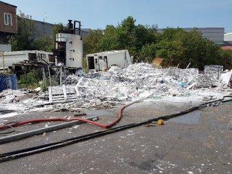 Gebze'deki Kozmetik Fabrikasında Çıkan Yangın Korkuttu