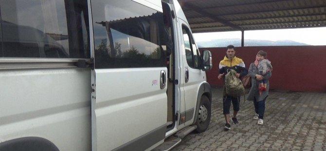35 Kaçak Yunanistan'a kaçarken Ayvacık'ta yakalandı..