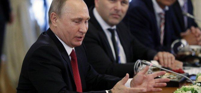 Putin Saint Petersburg'da meydan okudu!
