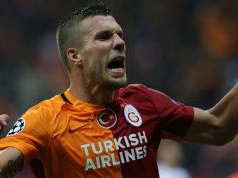 """Lukas Podolski: """"Kalbim Hep Galatasaray'da Kalacak"""""""