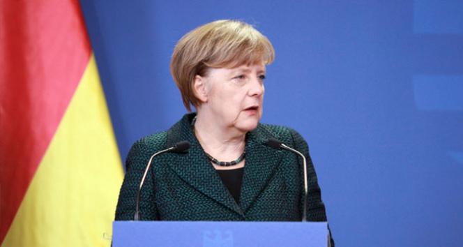 Merkel'den ABD'ye Paris İklim Anlaşması tepkisi