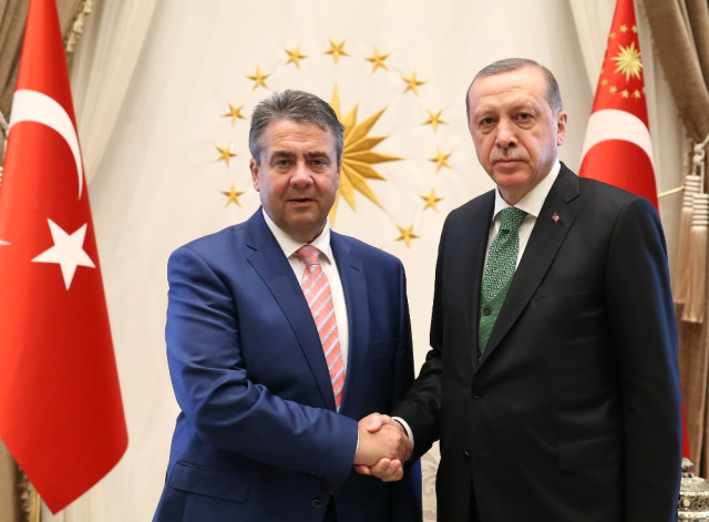 Cumhurbaşkanı Erdoğan Alman Bakan Gabriel'i Kabul Etti