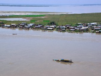 Hindistan, Assam'ı Vuran Selden 13 Bin Kişi Etkilendi