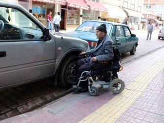 Kastamonu, Bozkurt'ta İşyerlerinin Önüne Duba Koyan İşletmelere Trafik Cezası