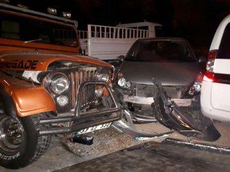 Manavgat'ta Bir Şahıs Aracıyla 4 Araca Çarptı, Yaya Olarak Kaçtı