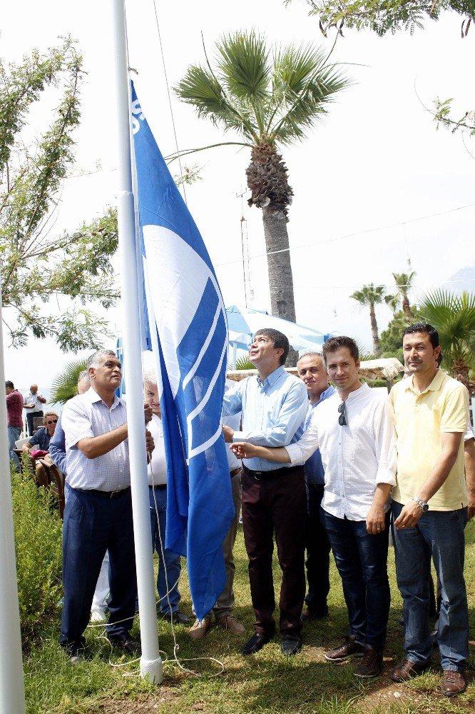 Konyaaltı Sahili yine 8 Mavi Bayrak