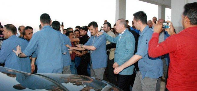 Erdoğan'ın beklenmedik ziyaretinde duygusal anlar