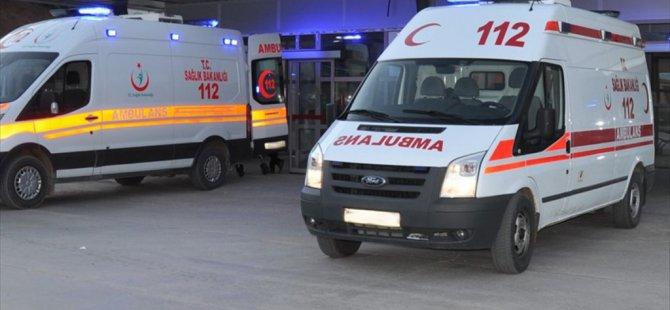 Sivas Koyulhisar ilçesinde Askeri Araç Devrildi: 4 Yaralı