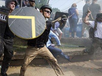 ABD, Kuzey Carolina Eyaletinde Irkçılık Karşıtları Asker Heykelini Devirdi
