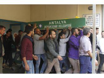 Düğün Sonrası Laf Atma Kavgasında 1 Suriyeli Öldü, 2 Suriyeli Yaralandı