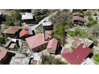Bu Köy 'Orada Bir Köy Var Uzakta' Diyenleri Ağırlıyor