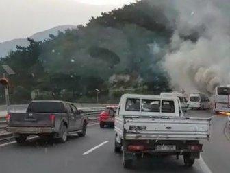 Manisa'da Yolcu Otobüsü Alev Alev Yandı
