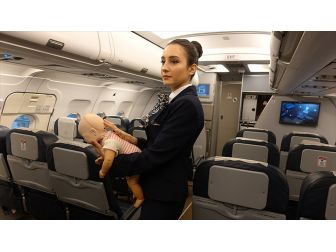 Türk Hava Yolları (THY) Gelecek Yıl 2 Bin 600 Personel Alacak