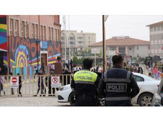 Riskli Okulların Çevresi 'Kamera' İle İzlenecek