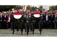 Chp'nin Cumhurbaşkanı Adayı İnce Anıtkabir'i Ziyaret Etti