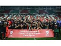 Teleset Mobilya Akhisarspor Kupasını Törenle Aldı