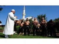 Pehlivanlar Er Meydanına Dua İle Uğurlanıyor
