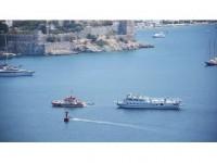Arızalanan Yunan Feribotunu Kıyı Emniyeti Çekti